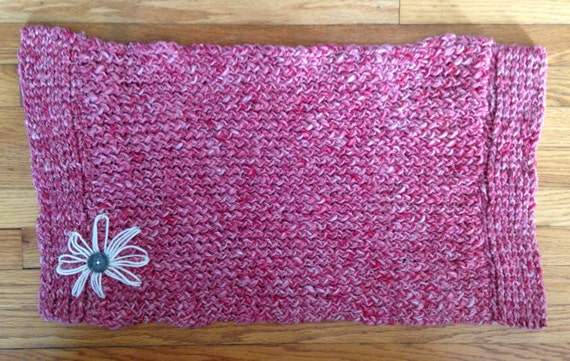 Pink Hand Knit Throw Rug with White Flower