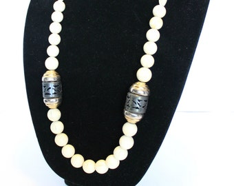 Amway Artistry Necklace,Amway Necklace,Amway Jewelry,1980 Necklace,Chunk Bead Necklace, Long Bead Necklace, Bone Necklace ,Artistry Necklace