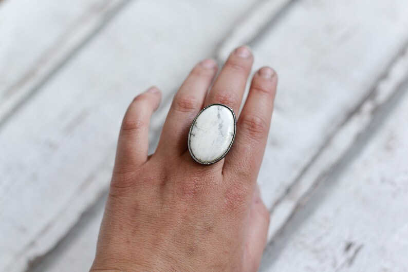 Howlite ring adjustable in size 7,6-9,5 US 56mm-61mm