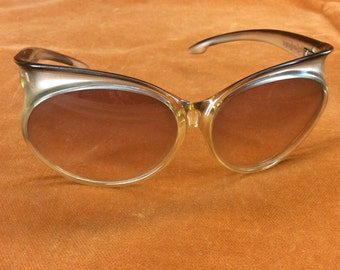 e64640f0929 Yves Saint Laurent 70s sunglasses model 7953