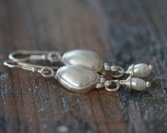 Freshwater pearl and sterling silver dangle earrings, bridal jewellery, bridesmaids earrings, alternative wedding, elegant vintage inspired