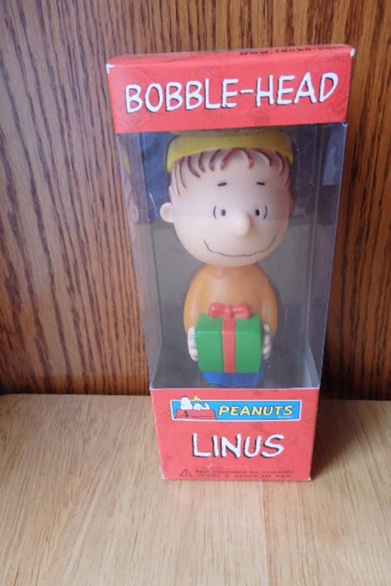 Charlie Brown Peanuts Gang Plastic Christmas Mini Clip-on Doll Figure New Box