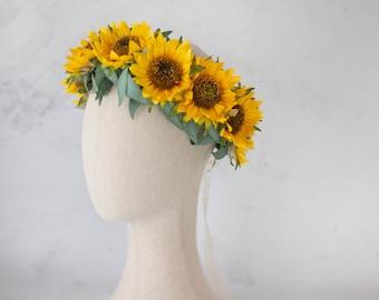 Sunflower flower crown, hair wreath with sunflowers, photo props, engagement photos, flower girl halo, festival garland, summer flower crown