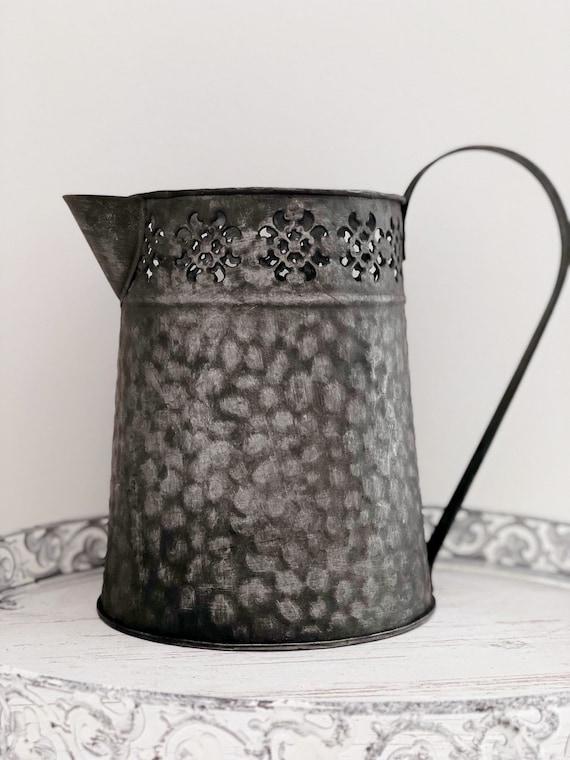 Tin Flower Vase Pitcher Jug Wedding Home Decor Room Iron 19cm Vintage Brand New