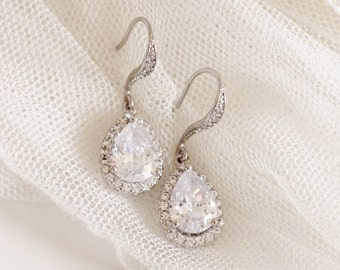 Crystal Wedding Earrings Classic Bridal Earrings Crystal Drop Earrings E112