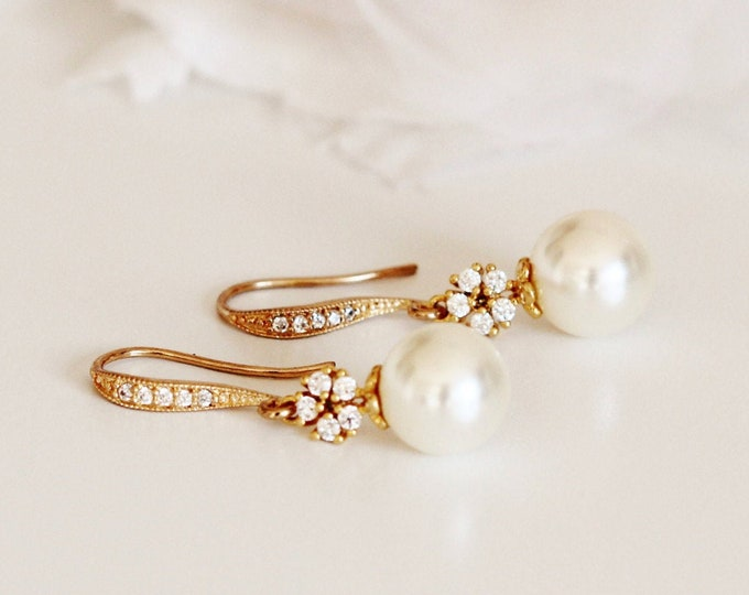 Featured listing image: Bridal Earrings, Gold Wedding Earrings, Vintage Style Drop Pearl Earrings, Bridesmaid Earrings, Gold Wedding Bridesmaid Gifts E103