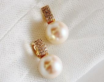 Large Pearl Hoops, Pearl Hoop Earrings, Crystal Hoop Earrings Bridal Earrings Mother Gift 14mm E428