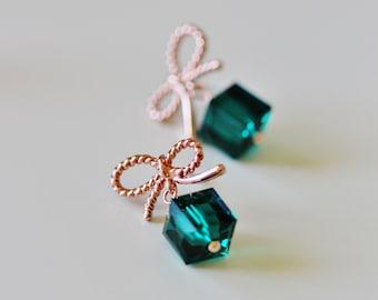 Emerald Green Earrings May Birthstone Earrings Green Wedding Gift Junior Bridesmaid Rose Gold Swarovski Emerald Crystal Earrings