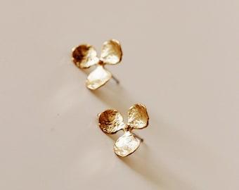 Delicate 18K Gold Studs, Hydrangea Flower with Pearl Stud Earrings, E207