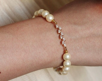 Pearl Bracelet, Gold Leaf Bracelet, Bridesmaid Bracelet, Bridesmaid Proposal, Bridesmaid Gifts, Stretchy Bracelet, Wedding Party Gift B108