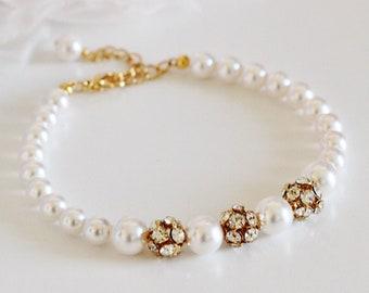 Bridesmaid Bracelet, Pearl Bracelet, Swarovski Rhinestone Bracelet, Wedding Bracelet Mother of The Bride Bracelet, Bridesmaid Gifts B107
