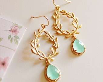 Mint Green Earrings, Gold Mint Drop Earrings, Mint To Be Bridesmaid Gift, Mint Wedding Jewelry, Mint Bridesmaid Earrings, E150