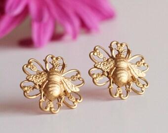 Bee Earrings, Gold Bee Earrings, Stud Earrings, Bee Jewelry Filigree Flower Earrings Insect Jewelry Bee Studs Gifts for Women E401