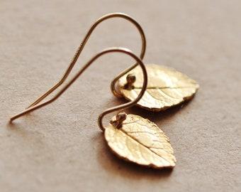Tiny Gold Leaf Earrings, Sterling Silver Leaf Earrings, Fall Earrings, Minimalist Earrings, Gold Everyday Dainty Earrings Gift for Her E501