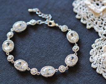 Wedding Bracelet, Crystal Bridal Bracelet, Silver Oval and Round Halo CZ Crystal Bracelet, Wedding Jewelry For Brides B117