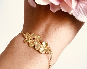 Garden Wedding Party Gifts Gold Flower Spring Wedding Bridesmaid Gift Bridesmaid Earrings Bridesmaid Bracelet Set Botanical Bracelet B201