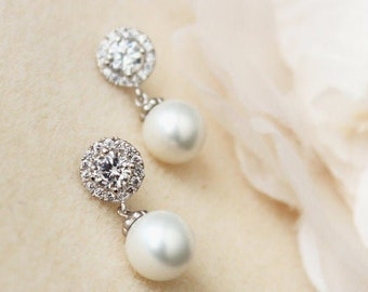Bridal Earrings, Pearl Earrings, Wedding Jewelry, Bridesmaid Earrings, Halo Earrings E102