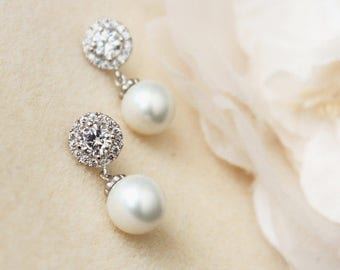 Bridal Earrings, Pearl Earrings, Wedding Jewelry, Bridesmaid Earrings, Halo Earrings E102