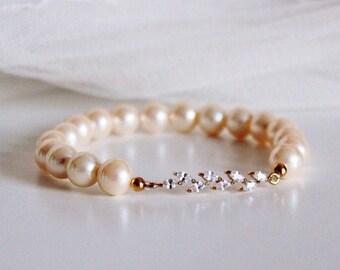 Pearl Bridal Bracelet, Gold Leaf Crystal Vintage Ivory Pearl Bracelet, Wedding Jewelry, Bridesmaid Gift Bracelet, Fall B108