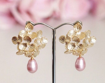 Blush Pink Pearl Bridesmaid Earrings, Gold Hydrangea Flower Earrings, Romantic Garden Wedding Jewelry Bridesmaid Gift  E208
