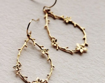 Gold Drop Earrings, Twig and Flower Earrings, Gold Dainty Earrings, Woodland Earrings Boho Rustic Wedding Bridesmaid Earrings E301
