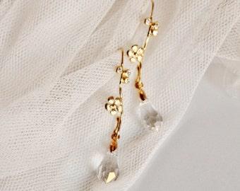 Dainty Bridal Earrings, Gold Flower Earrings, Romantic Wedding Earrings, Delicate Earrings, Crystal Drop Earrings,E209