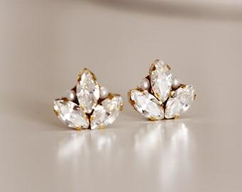 Swarovski Crystal Leaf Earrings, Studs Bridal Earrings, Stud Earrings, Art Deco Wedding Earrings Studs, Pearl and Crystal Leaf Stud E142