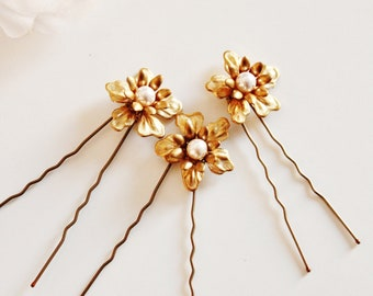 Set of 3 Bridal Hair Pins, Pearl and Gold Flower Hair Pins, Vintage Romantic Garden Outdoor Wedding Bridesmaid Hair Pins H102