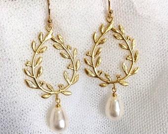Gold Laurel Wreath Earrings, Boho Wedding Earrings Bridesmaid Earrings, Boho Bridal Earrings, Country Wedding Party Bridesmaid Gifts E141