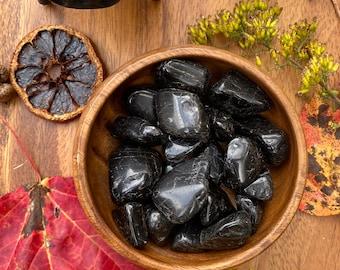 One Tumbled Black Tourmaline » Tumbled Black Tourmaline Natural Stone » Schrol » Grounding Stone » Root Chakra » Energetic Protection