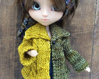 Two-tone, hand-knit jacket, ocher and khaki, for Pullip dolls or similar