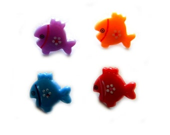 10 Assorted Fish Buttons