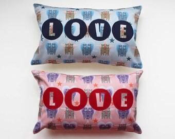 BEAR PRINT LOVE Cushion