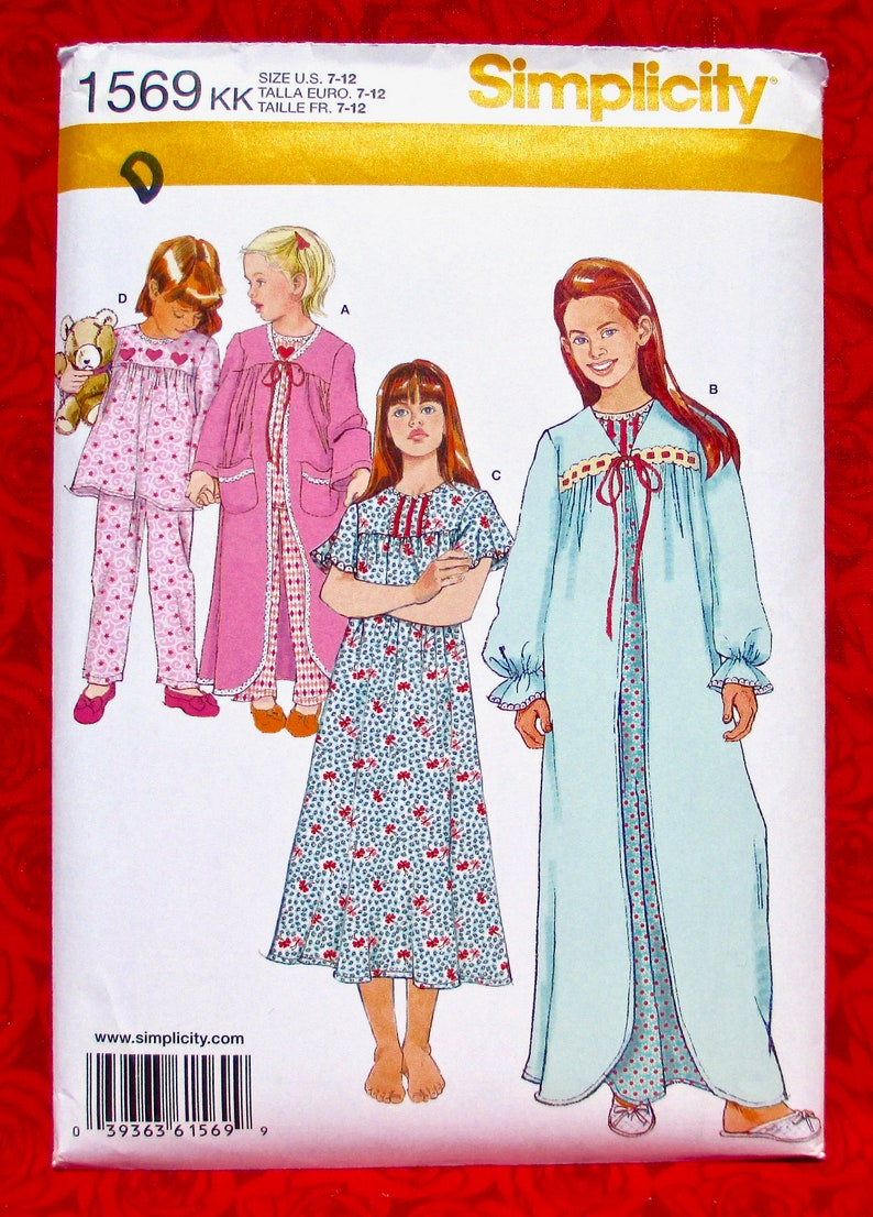 Simplicity Sewing Pattern 1569 Nightgown Robe Pajamas image 0