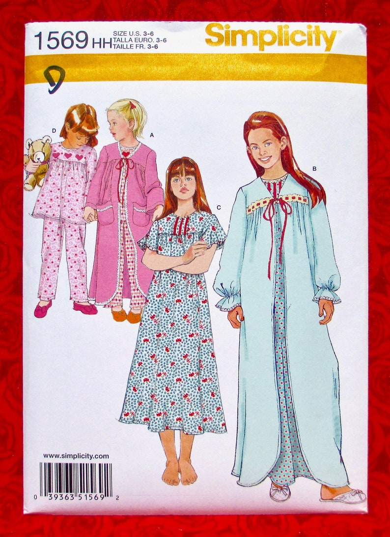 Simplicity Sewing Pattern 1569 Nightgown Robe Pajamas image 0
