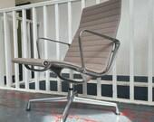 Vintage 1990 39 s Herman Miller Eames for Vitra EA115 Office Desk Chair. Vintage Retro Mid Century