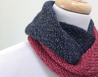 Wool Infinity Scarf. Knit Neckwarmer. Merino Circle Scarf. Knitted Neck Warmer. Black and Red Wool Scarf. Gift under 50 for Her.