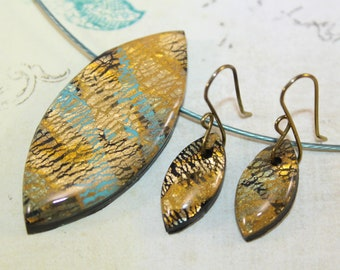 Turquoise and gold necklace and earrigns set