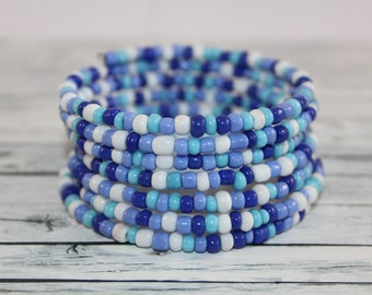 Blue and white glass beads memory wire bracelet