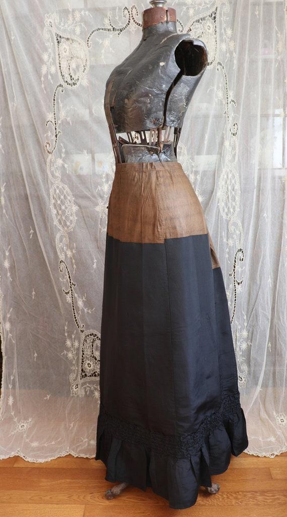 Antique Victorian Black Silk Bustle Skirt - 1890s… - image 2