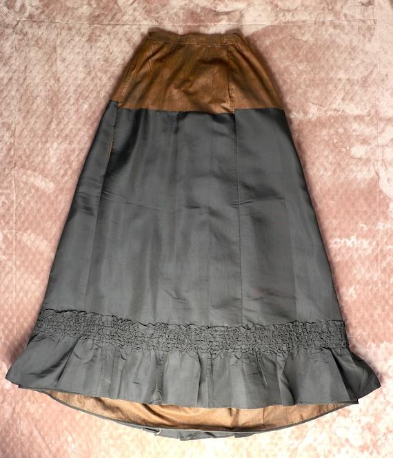 Antique Victorian Black Silk Bustle Skirt - 1890s… - image 7