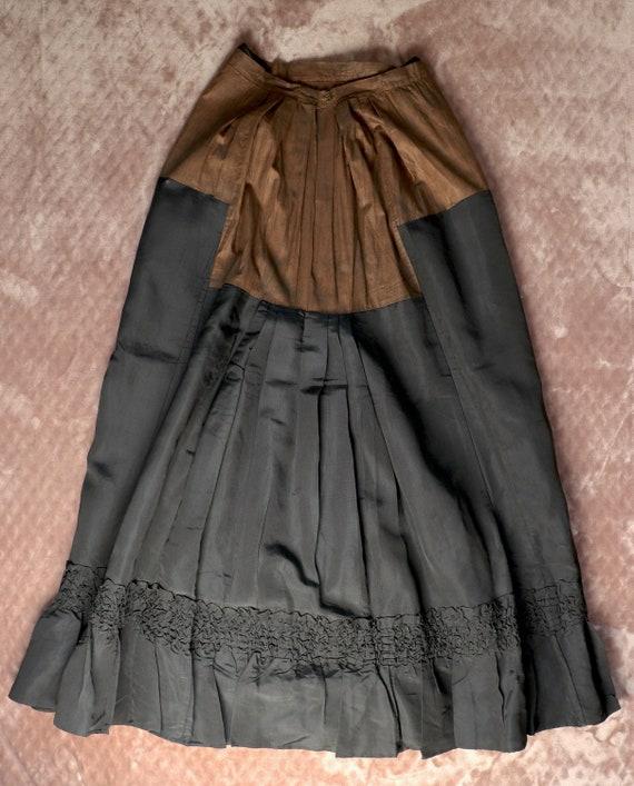 Antique Victorian Black Silk Bustle Skirt - 1890s… - image 8