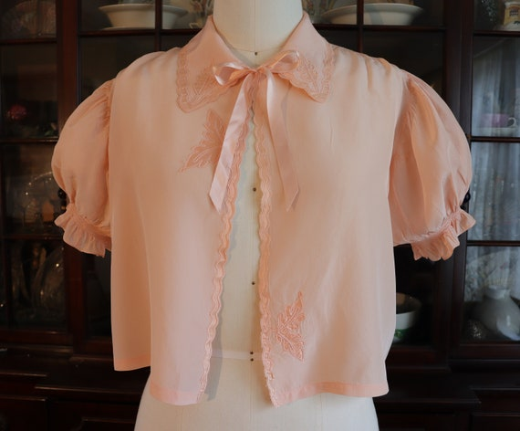 Vintage 1930s 1940s Peach Pink Bed Jacket with Puf