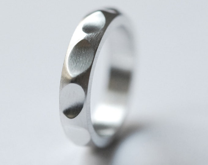 Wave ring with silver soul