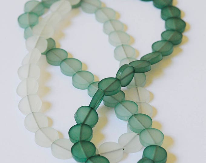 Medium-length necklace in colour-degraded plexiglass