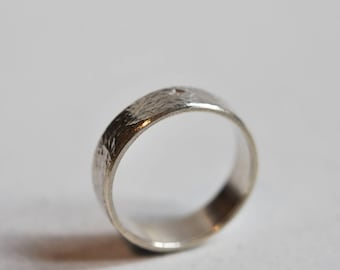 White gold ring, 5 mm gold 18 K band, hammered ring