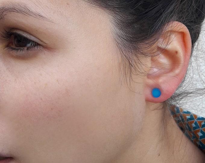 Round earrings in Plexiglas