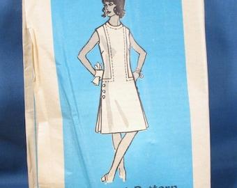 Vintage Sewing Pattern 4789 - Misses Dress Size 14