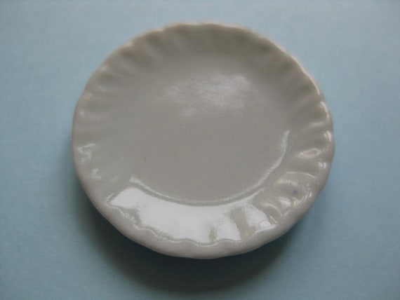 10 White Maple Plate Dollhouse Miniatures Ceramic