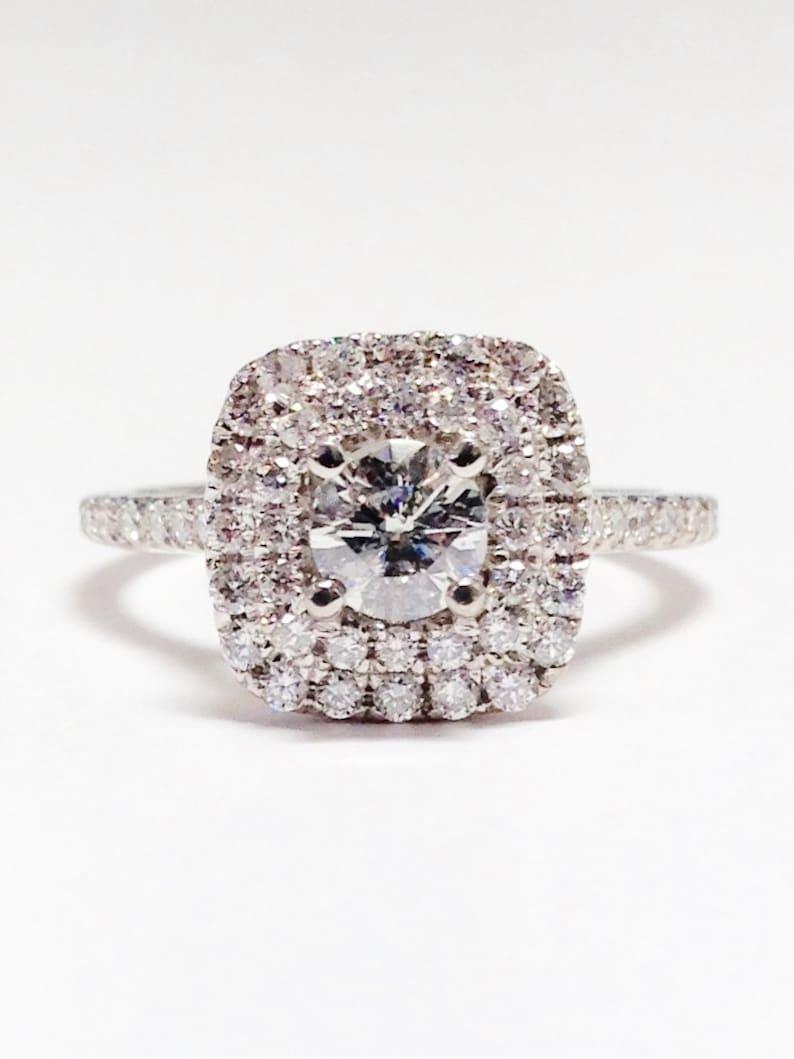 114303be04a8 Anillo de 100 CT diamante cojín doble Halo redondo brillante